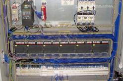 Realizzazione quadri elettrici Cablaggio bordo macchina impianti -